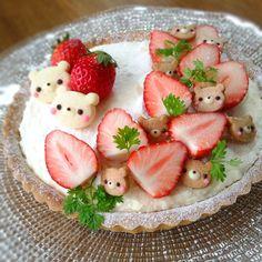 Cheese tarte with tiny Rilakkumas!     #food #bento #rilakkuma #kawaii #strawberry