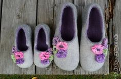 #felted #slippers #original gift #handmade #gift MOTHER and DAUGHTER felt slippers with FLOWERS by VILNUKAI on Etsy