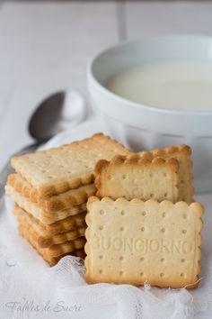 i biscotti secchi sono senza uova e ideali per la colazione da inzuppare nel latte, ma sono così buoni e fragranti che li mangerete sempre. Biscotti Biscuits, Biscotti Cookies, Galletas Cookies, Cookies Et Biscuits, Cupcake Cookies, Just Cooking, Cooking Time, Italian Cookies, My Favorite Food