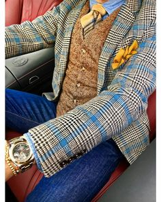 A mix of colors and textures with jeans gives this gentleman an updated style. A mix of colors and textures with jeans gives this gentleman an updated style. Mens Fashion 2018, Mens Fashion Blazer, Suit Fashion, Fashion Clothes, Men Blazer, Vest Men, Suit Vest, Fashion Hats, Sharp Dressed Man