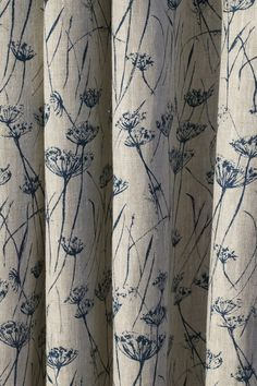 Interior Inspiraton Gallery British Fabric Designer Zoe Glencross Adlington Cowparsley Inky Sky on Natural Linen Traditional Interior, Modern Interior, Interior Styling, Interior Design, Lounge Curtains, Curtains With Blinds, Bedroom Curtains, Coastal Bedrooms, Coastal Living Rooms