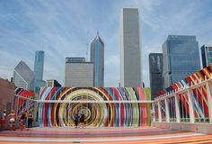 There's plenty of things to do in Chicago without breaking the bank. Take a look at this list of every free museum in the Windy City! Chicago Vacation, Chicago Travel, Travel Usa, The Places Youll Go, Places To Go, Performance Artistique, Chicago Things To Do, Chicago Illinois, Chicago Chicago