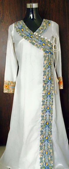 Plz tell me how to buy this dress Pakistani Dresses, Indian Dresses, Indian Outfits, Salwar Pattern, Kurti Patterns, Salwar Designs, Blouse Designs, Indian Attire, Indian Wear