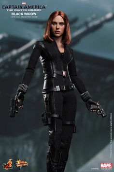 captain america 2 black widow and captain america  | Unlike a lot of high end Hot Toys figures, this new Black Widow won ...
