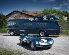 Ecurie Ecosse transporter with a Jaguar C-type and D-type. Classic period picture of a motor racing team . Porsche 914, Jaguar C Type, Jaguar Cars, Classic Trucks, Classic Cars, Automobile, Xjr, Old Race Cars, Vintage Race Car