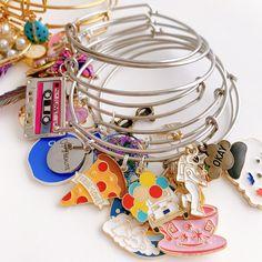 Unique Bracelets, Beaded Bracelets, Photo Charm Bracelet, Photo Charms, Compact Mirror, Handmade Accessories, Custom Photo, Business Ideas, Stylish