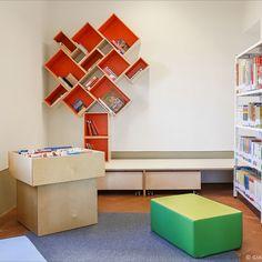 Scaffali, librerie e arredi per biblioteca Shelves, Home Decor, Shelving, Decoration Home, Room Decor, Shelving Units, Home Interior Design, Planks, Home Decoration