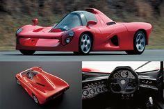 ヤマハOX99-11 - 3.5ℓV12エンジン(450ps/40.0kgm)のレッドゾーンは1万1000rpmから。運転席はセンターに置かれ、運転席の左後方にもうひとつシートを用意