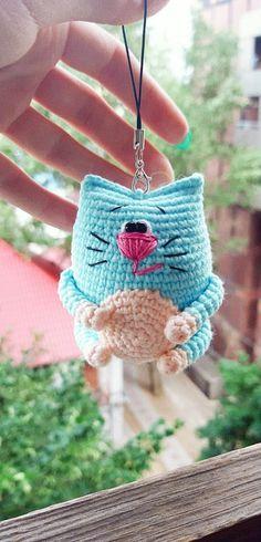 PDF Котейка крючком. FREE crochet pattern; Аmigurumi doll patterns. Амигуруми схемы и описания на русском. Вязаные игрушки и поделки своими руками #amimore - маленький котик, кот, кошечка, кошка, котенок, cat, kitten, gato, gatito, gatinho, chat, minou, kitty, kätzchen. Amigurumi doll pattern free; amigurumi patterns; amigurumi crochet; amigurumi crochet patterns; amigurumi patterns free; amigurumi today. Gato Crochet, Free Crochet, Doll Patterns Free, Craft Patterns, Crochet Patterns Amigurumi, Knitting Patterns, Amigurumi Doll Pattern, Cat Amigurumi, Crochet Projects