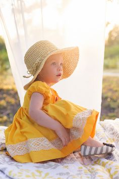 child photography, nice lighting, love the outfit #clickinmoms #clickaway