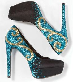 Glitter Shoes | DIY Glitter Heels | Make your pumps shine with glitter from @Jo-Ann Fabric and Craft Stores