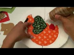 How to make wrong patchwork or without a needle Tutorial Patchwork, London Design Week, Diy And Crafts, Arts And Crafts, Quilting, Quilted Ornaments, Autumn Decorating, Leather Hats, Easy Quilts