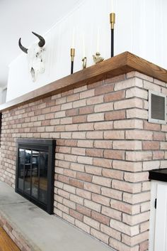 How to Spray Paint a Brass Fireplace - Bright Green Door Brass Fireplace Makeover, Fireplace Doors, Paint Fireplace, Home Fireplace, Fireplace Inserts, Brick Fireplace, Mantle, Diy Spray Paint, Spray Painting