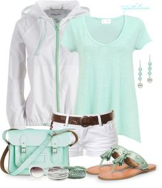 LOLO Moda: Cute spring fashion for women. Love the mint color.but with longer shorts. Short Outfits, Cool Outfits, Casual Outfits, Fashion Outfits, Fasion, Fashion Moda, Love Fashion, Womens Fashion, Retro Fashion