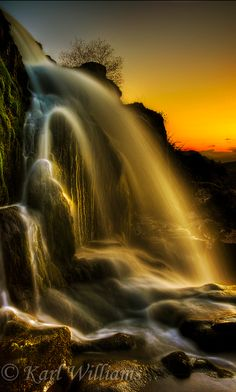 The Loup of Fintry waterfall on River Endrick near Stirling, Scotland • photo: Karl Williams on Flickr