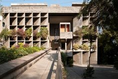 Earthitecture-le-corbusier-atma-house-mill owner-association