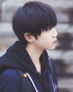 Cute Asian Guys, Cute Korean Boys, Cute Guys, Korean Men Hairstyle, Korean Short Hair, Korean Boys Ulzzang, Ulzzang Boy, Beautiful Boys, Pretty Boys