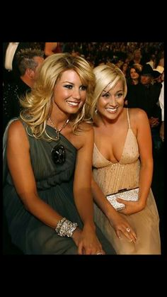 Faith Hill & Kellie Pickler at the 2007 ACM awards. Two Gorgeous Women. Country Women, Country Girls, Country Music, Beautiful Celebrities, Gorgeous Women, Beautiful People, Mississippi, Country Female Singers, Tim And Faith
