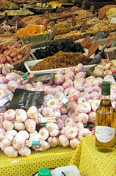 DIE TOP 10 Sehenswürdigkeiten in St-Rémy-de-Provence 2020 (mit fotos) La Provence France, Belle France, French Food, South Of France, French Riviera, France Travel, Farmers Market, Food Photo, Trip Advisor