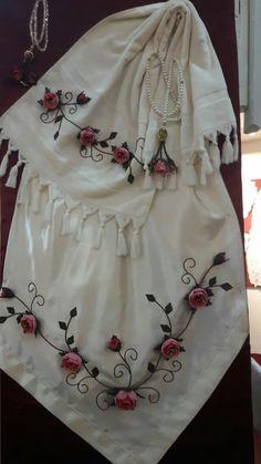 Creative Embroidery, Skirts, Fashion, Crochet Lace Edging, Moda, Fashion Styles, Skirt, Fashion Illustrations