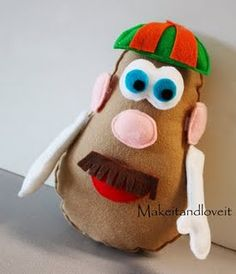 Mr Potato head from MakeitandLoveit (can't find tutorial anymore though. Mr Potato Head, Potato Heads, Potato Face, Sewing For Kids, Diy For Kids, Gifts For Kids, Felt Diy, Felt Crafts, Kid Crafts