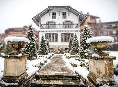 Set in a charming garden in the heart of picture-perfect Samoëns, Villa Rose is a boutique hotel and luxury catered Villa in contemporary Belle-Époque style