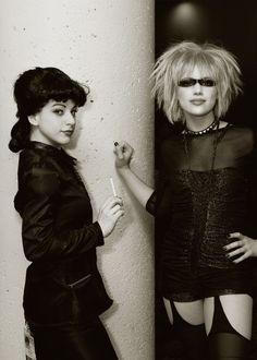Wonderful Blade Runner Cosplay of Rachel and Pris.  There's just something about misunderstood Androids, that i love.