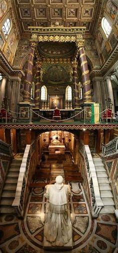 Santa Maria Maggiore Interior, Rome, Italy  Rome Italy (Find us on: www.facebook.com/TcTrips) http://mundodeviagens.com/ - Existem muitas maneiras de ver o Mundo. O Blog Mundo de Viagens recomenda... TODAS!