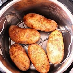 """Instant Pot Baked Potatoes Recipe – perfectly fluffy potatoes cooked in a digital pressure cooker. No foil needed! Search """"Instant Pot baked potatoes crunchy creamy sweet"""" in your browser. Instant Pot Potato Recipe, Instant Pot Dinner Recipes, Pressure Cooker Recipes, Pressure Cooking, Slow Cooker, Baked Potato Pressure Cooker, Pressure Cook Potatoes, All You Need Is, Paella"""