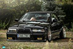 Bmw E36 good color good rims, great car...
