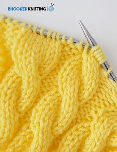 Knitting cables for beginners guide to getting started wolle kabelschuhe free knitting pattern free knitting patterns free kabelschuhe knitting pattern patterns wolle Beginner Knitting Patterns, Easy Knitting Projects, Knitting Stiches, Knitting Blogs, Free Knitting, Baby Knitting, Knitting Tutorials, Knitting Needles, Knitting Stitch Patterns