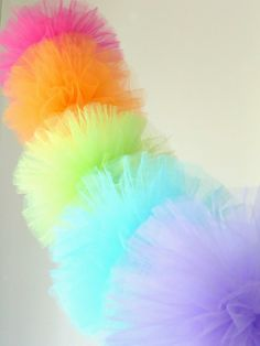 Pom Pom decoration how-to in different styles