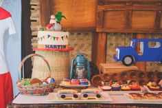 Martin's Philippine Fiesta Themed Party - Birthday - Party Doll Manila Fiesta Cake, Fiesta Theme Party, Event Themes, Food Themes, 90th Birthday, 1st Birthday Parties, Birthday Ideas, Party Sweets, Party Invitations Kids