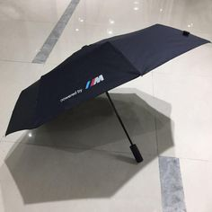 Shop Men Automatic Three-folding Umbrella from Happyzoe, available on Tictail from Luxury Handbags, Fashion Handbags, Bmw E46, E30, Automatic Umbrella, Folding Umbrella, Black Luxury, Diy Handbag, Unique Purses
