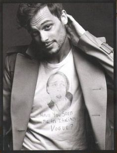 Everyone always though I was crazy for thinking the nerdy guy from criminal minds was hot.... Well here he is. HOT!