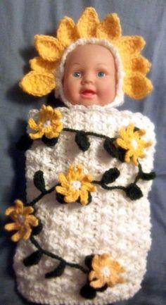 Flowered Daisy Hat Cocoon and vine set Newborn by ExpertCraftss