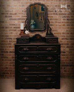A victorian era Gentlemen's dresser with wood decorative pulls that are delicious looking. Well, they are fruit carvings 😁 With only one thin coat of Dixie Belle's Caviar chalk paint and then wet distressing to keep the look and feel sophisticated and warm. #dixiebellepaint #bowtietreasures Chalk Paint Dresser, Chalk Paint Furniture, Furniture Design, Painted Dressers, Painted Furniture For Sale, Upcycled Furniture, Antique Buffet, Fruit Carvings, Dixie Belle Paint