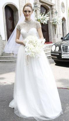 Vestido foi idealizado para uma cerimônia glamourosa e pomposa (Foto: Ellen Soares/Gshow)