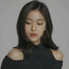 no lunchbox friends Korean Princess, Soft Grunge Hair, Thing 1, Girl Crushes, Korean Girl Groups, Kpop Girls, My Girl, Asian Girl, Bikini