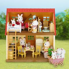 A Sylvanian Families hivatalos honlapja Diy Dollhouse, Dollhouse Miniatures, Toddler Toys, Kids Toys, Cosy Cottage, Lps, Sylvanian Families House, Sylvania Families, Calico Critters Families