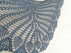 Free crochet pattern: I promise you pineapples shawl by Cute and Kaboodle