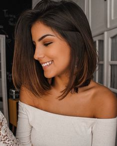 Coupes Carrées sur cheveux courts et mi-longs Balayage – hair ideas Long Bob Brunette, Brown Hair Long Bob, Balayage Bob Brunette, Brown Hair Bobs, Caramel Balayage, Short Brunette Hair Cuts, Hair Styles Brunette, Dark Brown Lob, Brunette Shoulder Length Hair