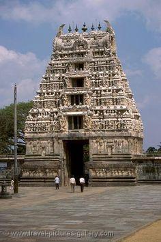 Dravidian temple architecture, Belur and Halebid