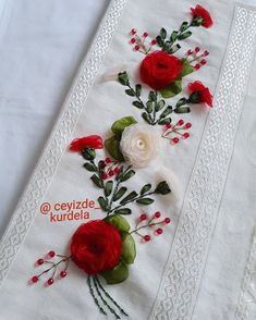 Embroidery Floss Crafts, Diy Embroidery Designs, Silk Ribbon Embroidery, Embroidery Jewelry, Hand Embroidery Patterns, Floral Embroidery, Embroidered Towels, Brazilian Embroidery, Quilling Designs