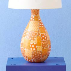 Paper Mosaic: Get the look of broken tile without the mess and fuss of traditional mosaic. Cut irregular squares and rectangles from patterned paper, fit the pieces together on the base, and adhere them with decoupage medium. Lamp Makeover, Furniture Makeover, Diy Furniture, Lamp Redo, Carton Diy, Paper Mosaic, Old Lamps, Lamp Shades, Crafts To Do