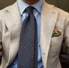 Lovely #violamilano 🇮🇹 #madeinitaly #handmade #Elegance #Fashion #Menfashion #Menstyle #Luxury #Dapper #Class #Sartorial #Style #Lookcool #Trendy #Bespoke #Dandy #Classy #Awesome #Amazing #Tailoring #Stylishmen #Gentlemanstyle #Gent #Outfit #TimelessElegance #Charming #Apparel #Clothing #Elegant #Instafashion