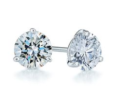 Gorg! 1.50ct  diamond & platinum stud earrings.