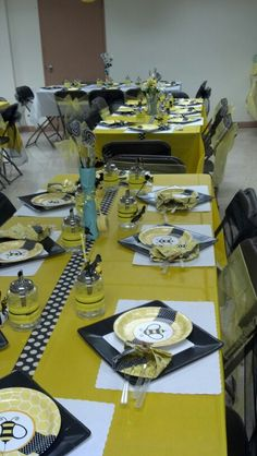 Bumble bee baby shower maybe use black and white circles tape 4 ways to hold the table cloth