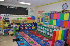 pinterest kindergarten classrooms | Her rug area and HUGE classroom library...