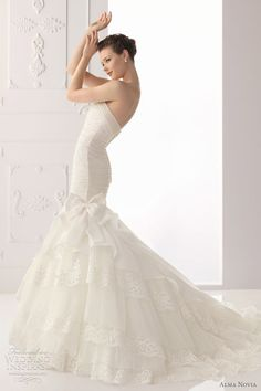 http://weddinginspirasi.com/2011/09/30/alma-novia-wedding-dresses-2012/ : alma novia wedding dresses 2012 - Sabia bridal gown